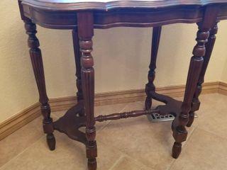 Vintage table 29 x 32 x 19