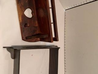 Set of two wall shelves