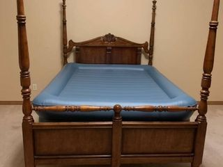 Four poster queen size bed no mattress