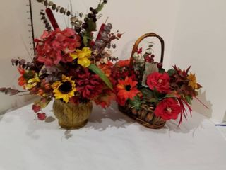 Set of 2 artificial flowers in baskets