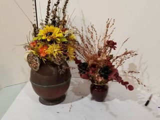 Set of 2 floral arrangements