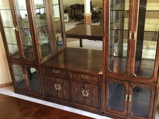 Thomasville 5 pc lighted hutch 82 x 106 x 19