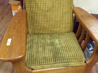 OlD REClINING CHAIR