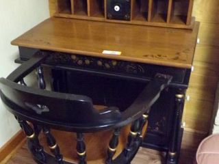 BEAUTIFUl SECRETARY DESK W CUBBY HOlES  DRAWER STORAGE ON RIGHT  DOOR STORAGE ON lEFT