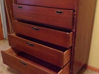 VINTAGE 5 DRAWER CHEST
