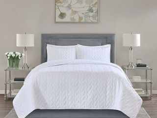 Madison Park Addie Reversible Coverlet Set  Retail 76 48