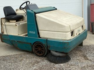 Tennant 355 Commercial Sweeper