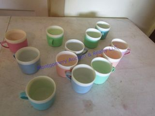SET 0F THERMAl CUPS
