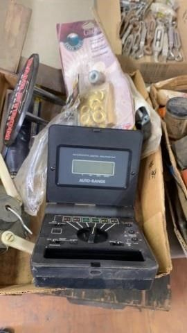 SAFETY GlASSES  GEOMMER KIT  TOOlS AND MICRONTA