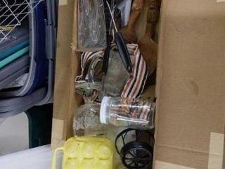 BOX OF MISCEllANOUS KITCHEN ITEMS