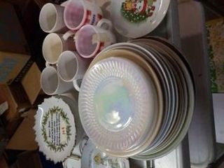 6 COFFEE CUPS  NUMEROUS PlATES AND DECORATIVE