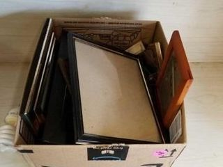 BOX OF VARIOUS SIZES PICTURE FRAMES