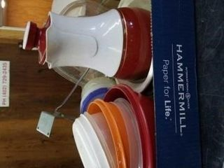 BOX OF MISCEllANOUS KITCHEN BOWlS AND ITEMS