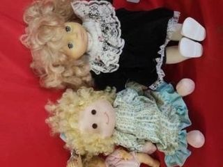 TRIO OF BEAUTIFUl DOllS  ClOTH AND RUBBER