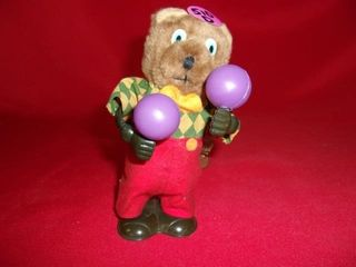 WIND UP MECAHNICAl BEAR W  MORRACCAS  WORKS