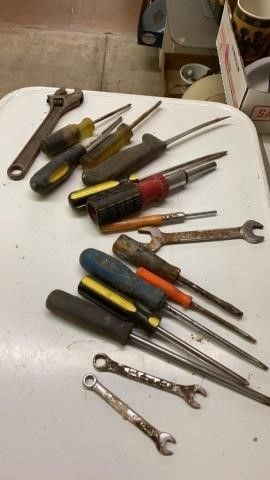 SCREWDRIVERS AND WRENCHES