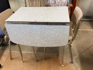 MID CENTURY KITCHEN TABlE WITH 2 DROP lEAVES AND