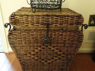 Lot #2122 -  Storage basket 13*20
