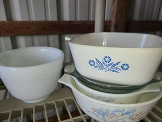 Small Kitchen Wares  Pyrex Bowls  Corning Ware and a Hamilton Beach