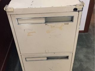 Metal 2 Drawer File Cabinet   HEAVY  bring help to move