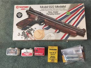 Crosman 1322 Medalist Single Shot  22 Caliber Pellet Pump Action Pistol  w Pellets   Air Cartridges
