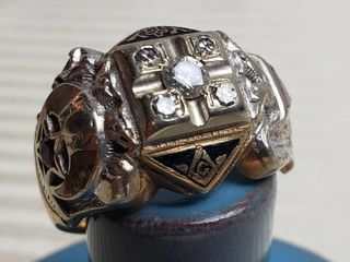 Men s 32 degree Masonic 10K Gothic Gold   Diamond Ring   16 grams TW