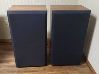 2  Vintage ADS Speakers   Model AD400