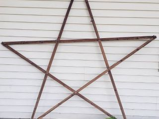 Huge Wood lighted Star   8 ft  Wide
