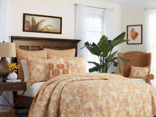 Tommy Bahama Batik Pineapple Quilt And Pair Of Shams  Retail 129 97