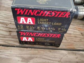 lot of 2 Boxes Winchester 12 Gauge AA light Target load Ammo