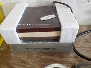 Bentley B 45 Deluxe Battery Charger