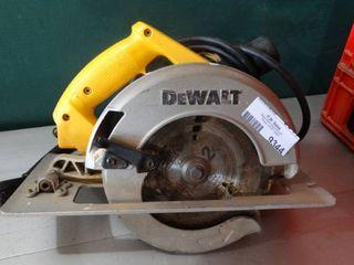 DeWalt DW364 Circular Saw