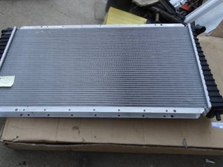 New Ford  99 04 4 6 Keystone Radiator
