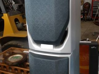 lot of 2 Stereo Speakers