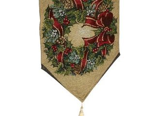 Traditional Wreath Table Runner