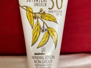 EXP  04 19 Australian Gold Botanical Mineral Sunscreen lotion   SPF30   5oz
