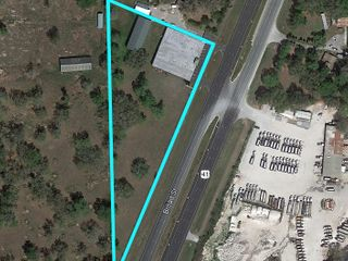 COMMERCIAL BUILDING ON 4.1± AC IN BROOKSVILLE, FL