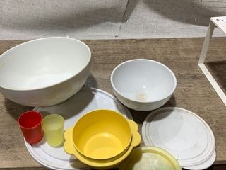 Pampered Chef Bowls  Tupperware