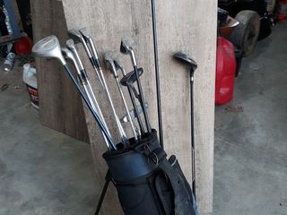 Nike Golf Bag  with mix of clubs