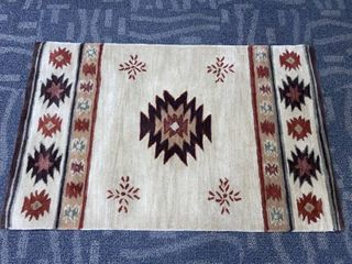Hand tufted Geometric Wool Red  Green  Beige Rug  3  x 5  Retail 166 99