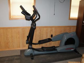 LifeFitness 950HR Elliptical