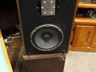 lot of 2 Vintage Speakers