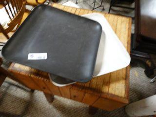2 Furio designer trays