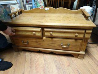 Beautiful oak 3 drawer cabinet bench