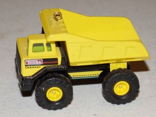 Tonka truck hallmark Christmas ornament collectible from 1996