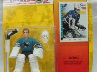 ARTUS IRBE   SAN JOSE SHARKS 1994 NHl Starting lineup Action Figure   Exclusive Collector Trading Card