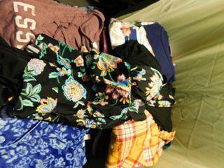 Women s Clothing lot  1 SZ large