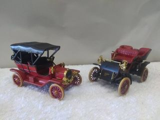 Diecast Model Ford Model T and Cadillac