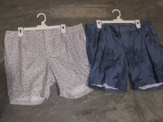 Men s Cargo Golf Shorts   All in Motiona   size 30 40 one of each size in both styles