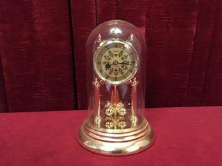 Heirloom Quartz Anniversary Clock w  Glass Dome